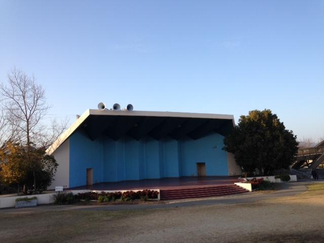 みどりの広場の野外ステージ