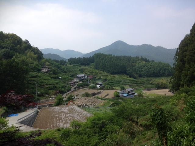 神山町の山の上まで